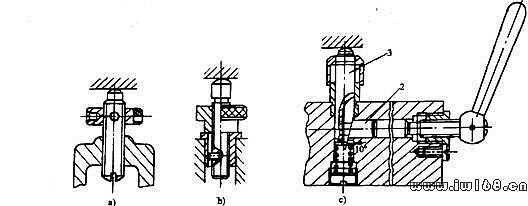 在机械制造中,用来固定加工对象,使这占有正确位置,以接受加工或检测的装置,统称为夹具。它广泛地应用于机械制造过程中,如焊接过程中用于拼焊的焊接夹具;零件检验过程中用的检验夹具;装配过程中用的装配夹具,机械加工过程中用的机床夹具等,都属于