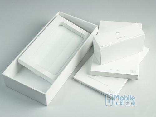 包装:正规手机包装以及说明书多为铜版纸印刷