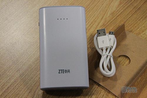 中兴闪电云 移动电源3g智能无线路由