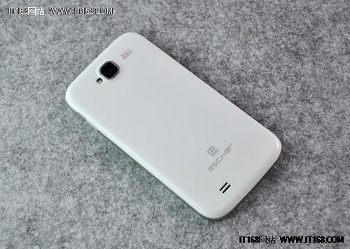 爱色王5_预计8月底上市 锋达通爱色手机谍照曝光