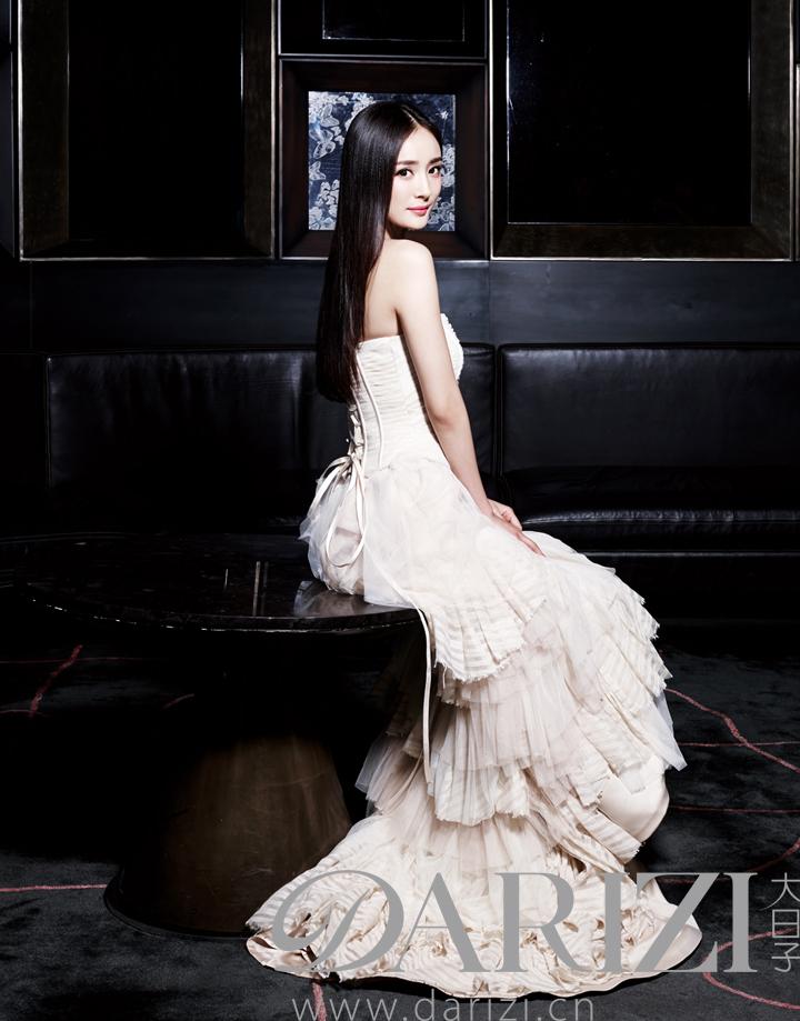 杨幂的婚纱照和冯绍峰_杨幂冯绍峰结婚了吗 杨幂和冯绍峰的结婚照婚纱照 睡照 情侣照