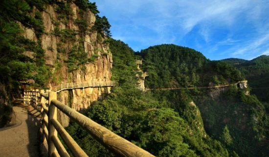 有中国温泉之乡之称的风景名胜 明月山