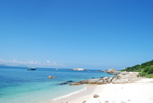 2012春节海南旅游攻略 梦幻海滩寻找夏日温暖 春节去海南旅游