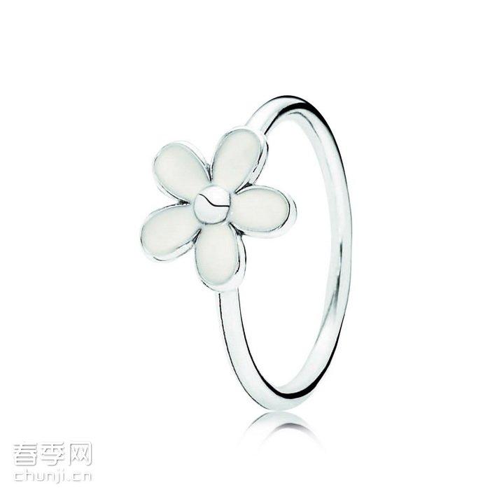 盛开的花卉和蝴蝶飞舞作为设计灵感!