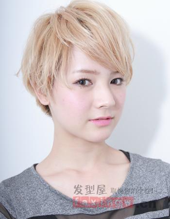 女生短发怎么打理 斜刘海轻松打造时尚感