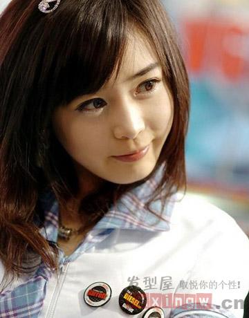 热荐9款瘦脸斜刘海发型图片 圆脸女生的修颜秘密图片