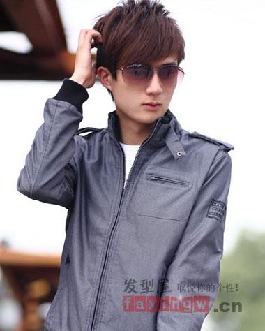 个性青春又时尚,搭上一副墨镜,气质超捧,帅气型男.图片