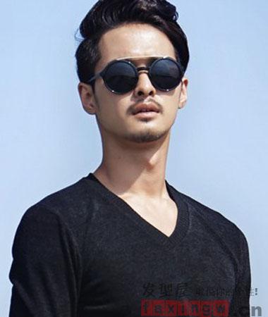 2013流行男式短发烫发发型趋势 打造魅力职场型男图片