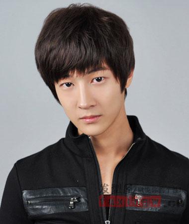 最新韩式男生刘海发型 邻家男孩变潮男图片