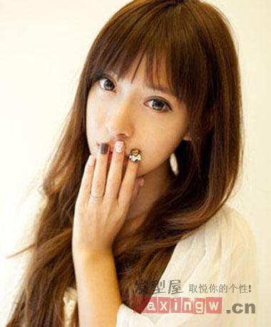 齐刘海长发发型 打造气质女人