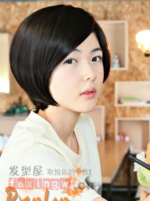 时尚个性定格一瞬 斜刘海短发发型盘点