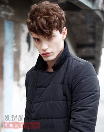 2014年盛行的男生烟花烫发型今天可谓是不得不说,蓬松感的男生烫发图片