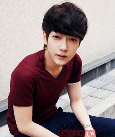 韩式夏日男生短发发型设计 让你轻松晋级气质美少年