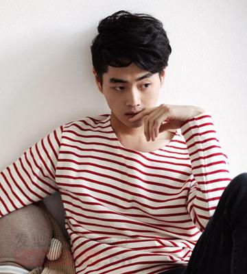 2014男生流行发型图片 斜刘海打造时尚型男气息图片
