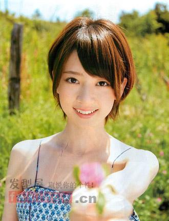 女生剪什么发型好看 韩式斜刘海清甜提人气图片