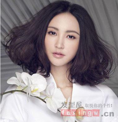 方脸的女生梳什么样的发型才好看呢?图片