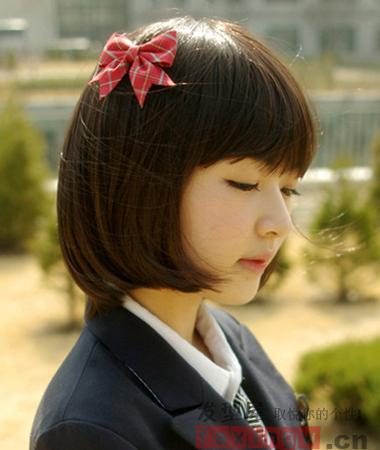 校园女生修颜短发发型 演绎可爱时尚文艺风