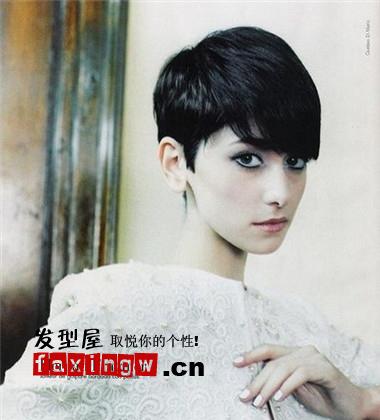 2013潮流女士短发发型 时尚新颖女士短发 高清图片