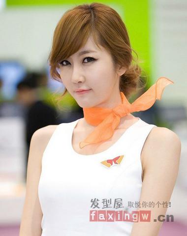 气质女生怎么扎头发 简单的韩式扎法推荐