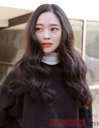最美女生长卷发发型 打造气质女神范图片