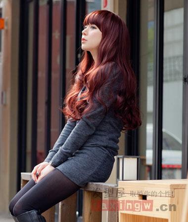 最新绚丽染烫发型设计 女生中长发染发潮流秀图片