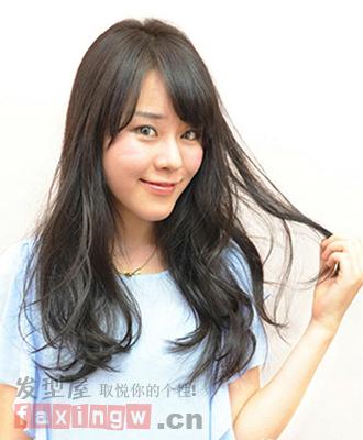 9款黑色卷发发型 打造性感美女范图片
