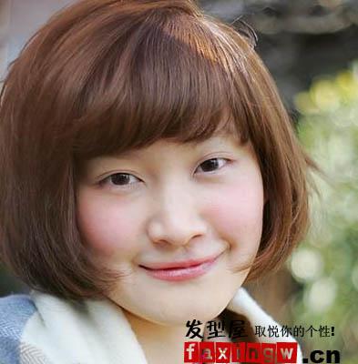 长脸女孩救星 齐刘海短发发型