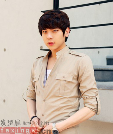 2013夏季韩流男生短发发型 帅气王子造型秒杀镜头 高清图片