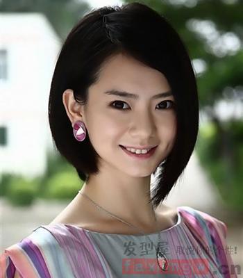 女生甜美短发发型 突显俏皮可爱图片