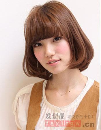 齐刘海染发发型图片 打造小脸中长发造型图片