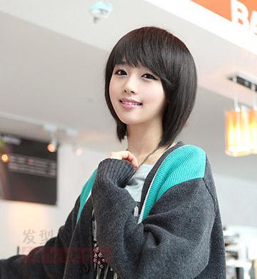 2014年女生个性短发发型 简单时尚显脸瘦