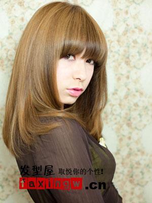 齐刘海直发发型扎法 时尚编发图片