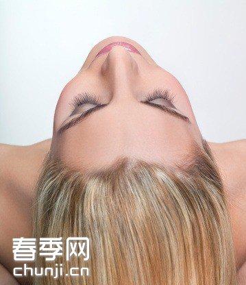 羊眼圈正确使用图片_如何正确使用发膜