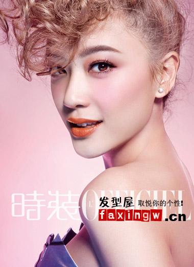 应采儿粉色系写真 率性摩登发型彰显迷人气息图片