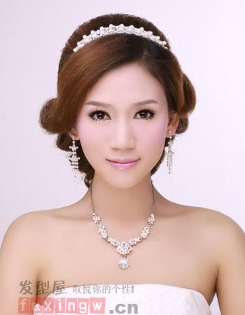 韩式新娘盘发发型推荐 尽显简单大方气质图片