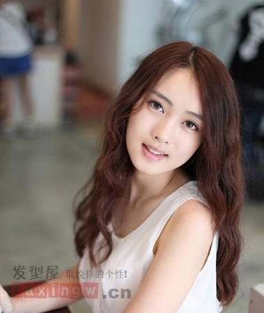 2013年最新女生中长发烫发发型图片图片