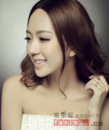 春季浪漫韩式新娘发型 2014最新婚纱照发型趋势图片
