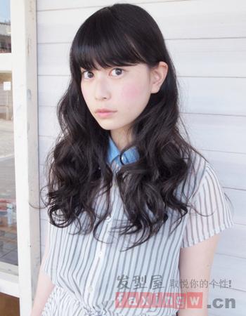 日式可爱卷发发型 简约时尚显气质