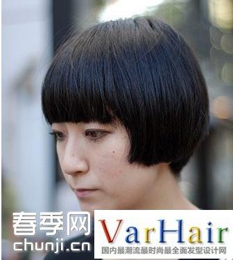 导读:这款40岁女人短发发型