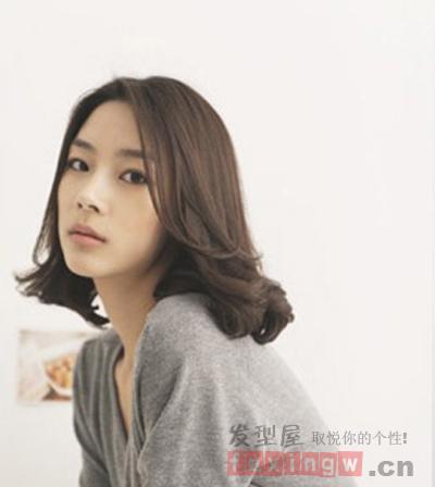 最新韩式发型 中长发烫发小清新