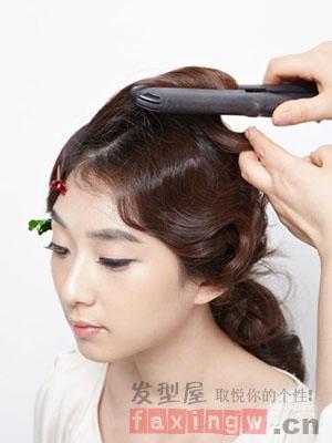 古典发型简单扎 步骤