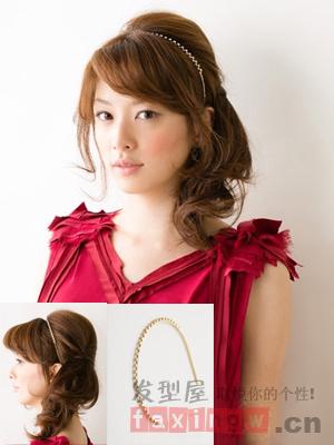 中长发侧边扎发发型 彰显优雅女人气质