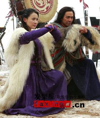 发型大全 发型设计 > 新版《天龙八部》贾青饰演阿紫
