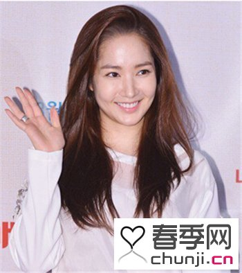 2015流行发型:中长发女生流行韩式发型