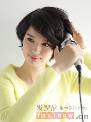 甜美刘海编发教程 扎出可爱短发造型