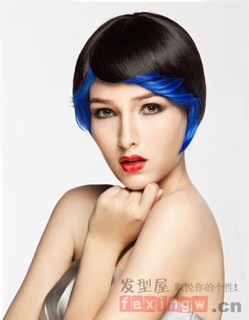 首先介绍给大家的是一款很有创意感的沙宣短发发型图片