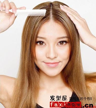 小心思发型扎法步骤 散发知性女人味图片