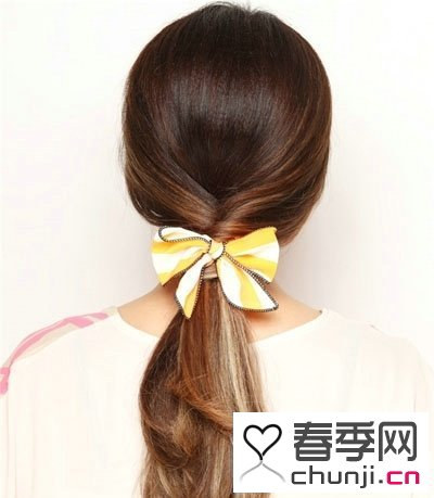 中长发没刘海发型扎法