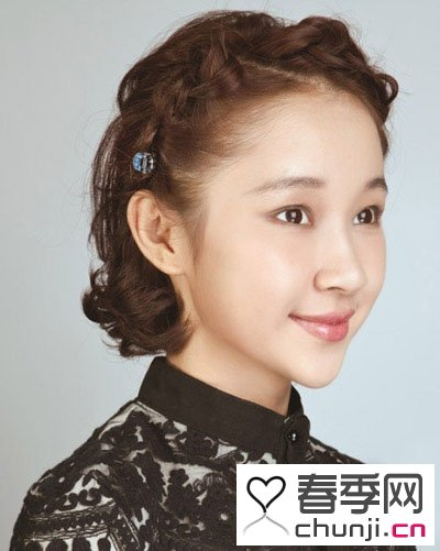 发型 > 夏天达人女生示范短发刘海编发