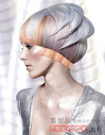 今天小编同样带来了九款个性十足的沙宣女生短发发型,彩用不同的剪裁